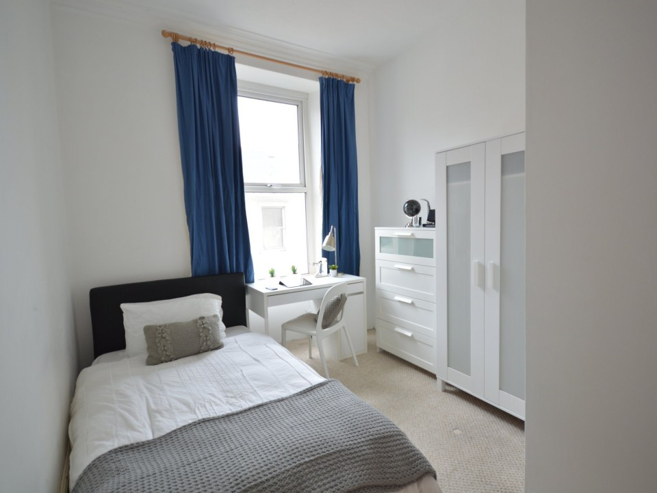 Clifton Place, Plymouth : Image 4